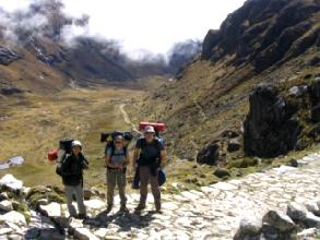 Les Strudel et Geraldine dans le chemin pre-inca