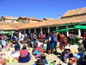 La place du marche de Tarabuco
