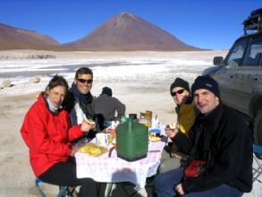 Petit-dejeuner royal devant le Licancabur