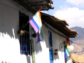 Drapeaux quechua de sortie pour l'Inti Raymi a Cusco