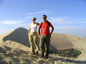 Un oasis dans le desert de Huacachina au Pérou