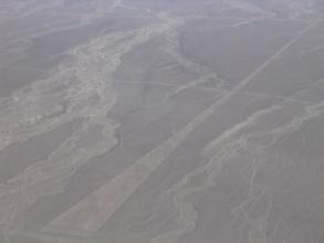 Lignes de Nazca : un tetraedre
