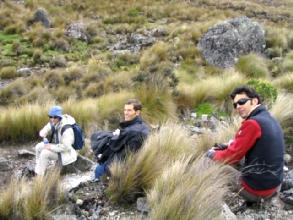 Elizabeth Bitaud, Raphael Joly et Julien Cau au parc Cajas