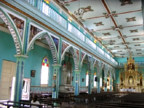 Interieur de l'eglise de Zaruma