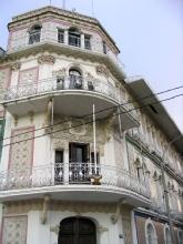 L'ex Grand Hotel d'Iquitos qui heberge aujourd'hui des bureaux de l'armee