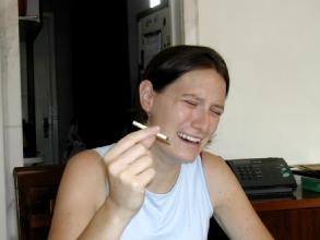 Geraldine apprecie la cigarette bresilienne...