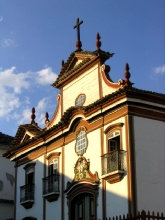 Facade d'une eglise a Diamantina, Minas Gerais