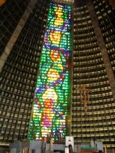 L'interieur de la cathedrale de Rio